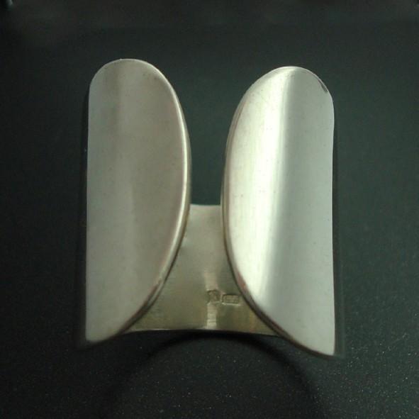 Nyitott ezüst gyűrű