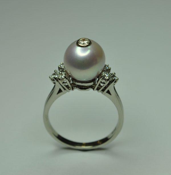 Gyöngyben a brill,egyedi arany gyűrű