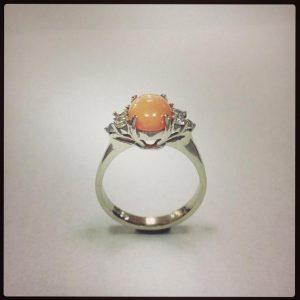 Korallos , brilles arany gyűrű