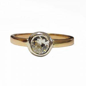 Button ,gyémántos szoliter arany gyűrű
